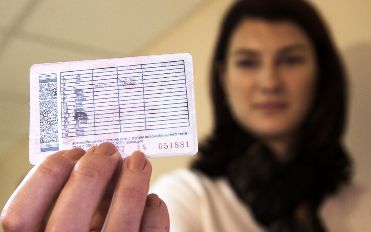 Как получить водительские права иностранцу в 2021